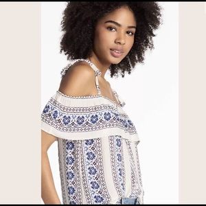 Lucky Brand floral off the shoulder ruffle top M